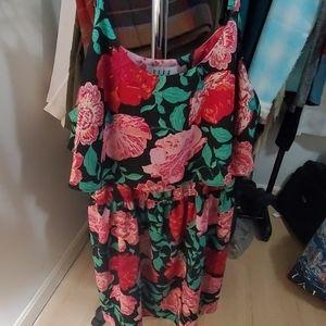 Womans ELLE floral dress - size L
